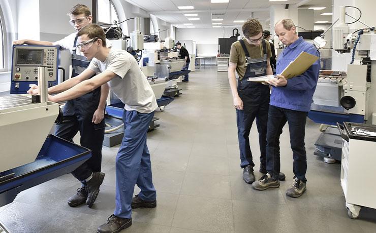 Ausbildungssituation im Stahl-Service Center Otto Knauf GmbH